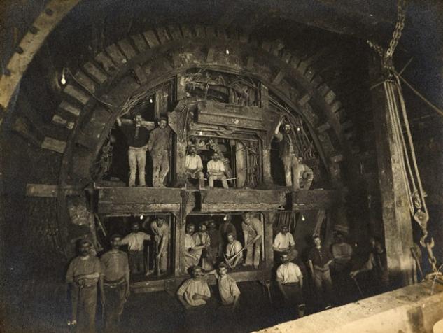 Construcción de la Central Line de Londres 1898, tomado de: www.telegraph.co.uk/