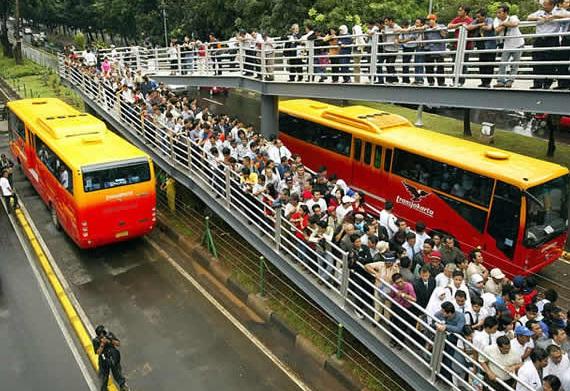 Shelter Bus TransJakarta